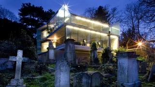 graveyard house 320x180
