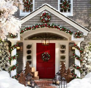 Christmas House Exterior red door decorations